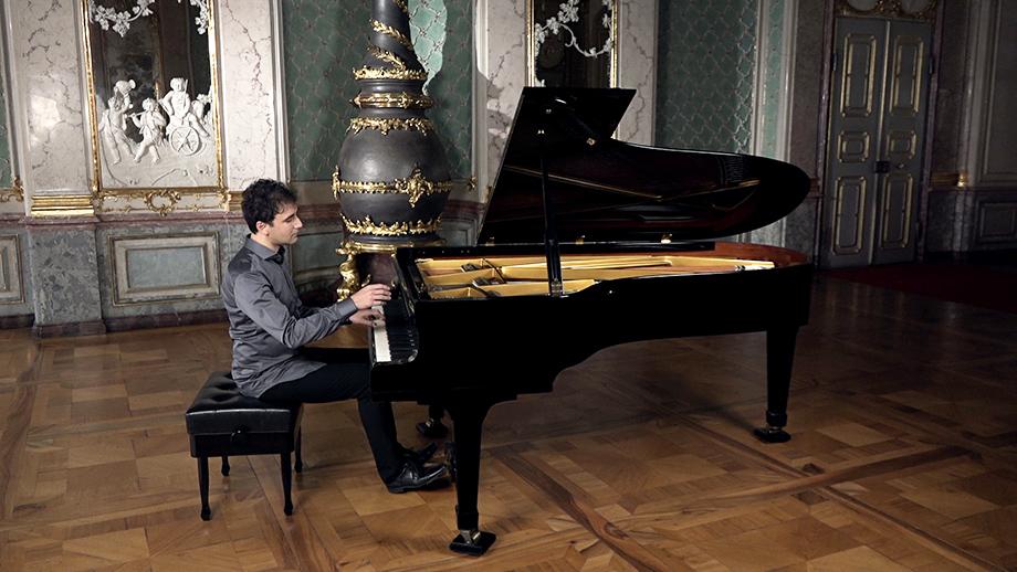 Vadim Chaimovich · Pianist